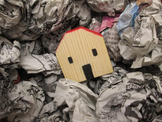 ゴミ屋敷になる原因。ゴミ屋敷の片付けは専門業者へ。